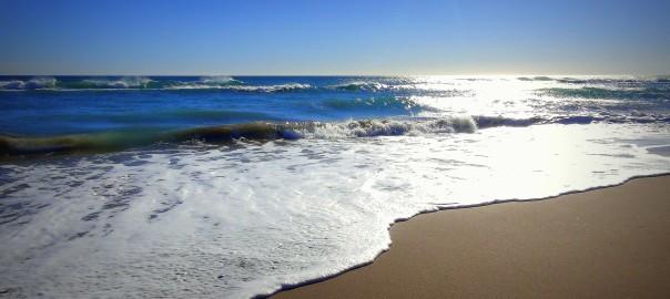 Der Strand steht zugleich für dern Aufbruch und die Sicherheit des festen Landes